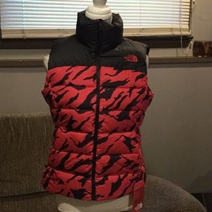 D1) Women's Brand New The North Face Vest w/tags